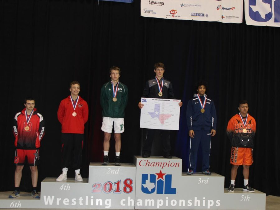 Senior+Dillion+Thomas+won+state+champion+for+his+weight+class.
